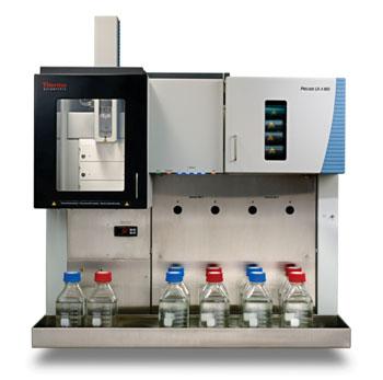 图片:PreludeLX-4MD由Thermo Fisher Scientific在美国临床化学协会2015年会暨临床实验室医疗设备博览会,Booth 3135上展示,这是一种新的四通道高效液相色谱仪,将临床通量能力增加为四倍,能在一部仪器上同时平行进行4个独立的LC-MS分离,(照片由Thermo Fisher Scientific提供)。
