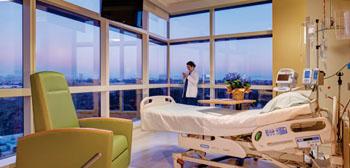 Imagen: Una de las habitaciones privadas del nuevo Instituto Cardiovascular Prebys (Fotografía cortesía de Scripps Health San Diego).