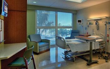 Imagen: Habitaciones individuales para pacientes en el GCMC (Fotografía cortesía de KHSS/Skanska).