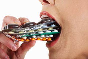 Imagen: Los antibióticos de amplio espectro puede dar como resultado resistencia bacteriana (Fotografía cortesía de Shutterstock).