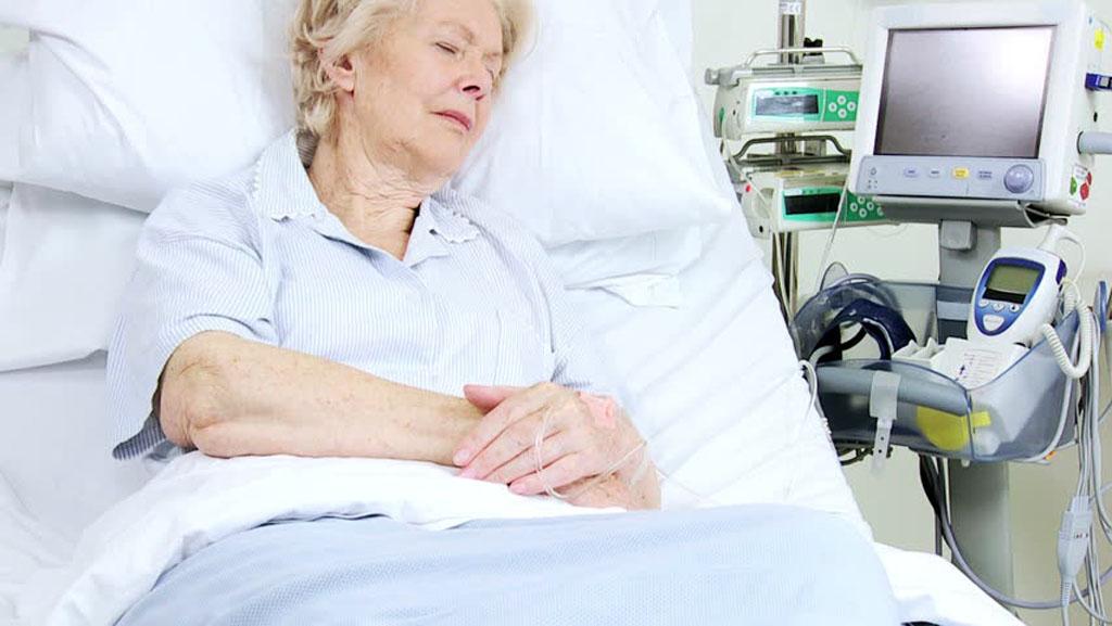 Imagen: Unos nuevos estudios afirman que la cirugía temprana para el cáncer de útero tiene mayor riesgo (Fotografía cortesía de Shutterstock).