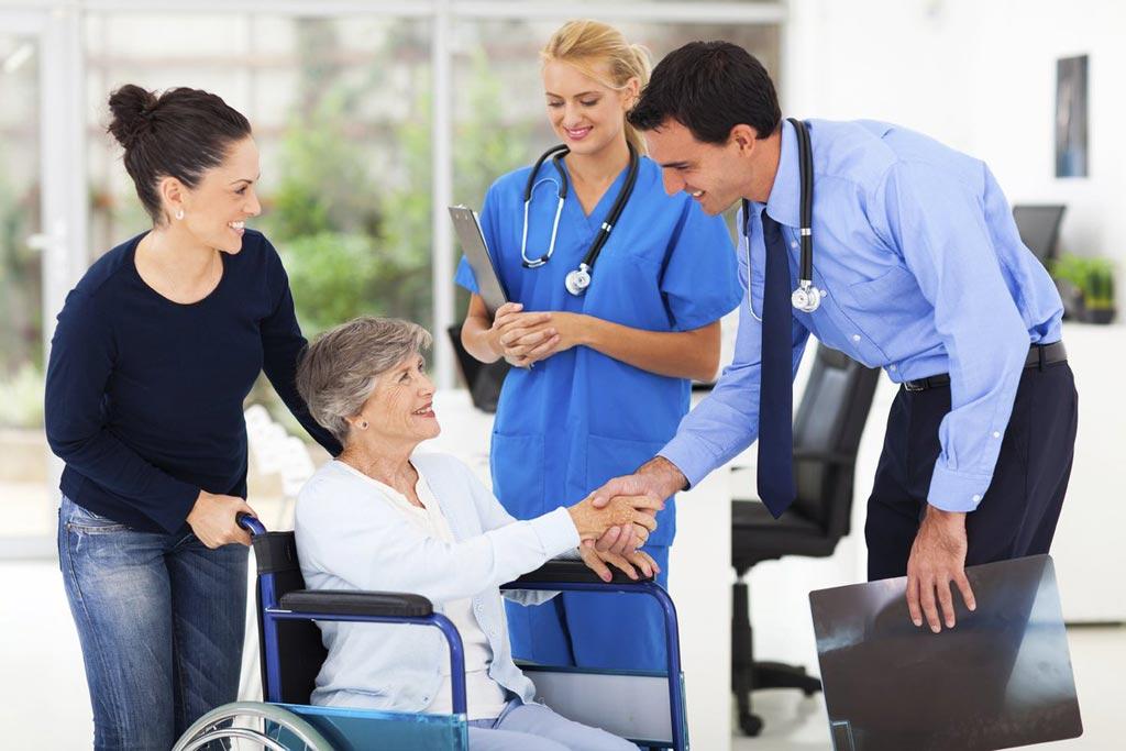 Imagen: La investigación demuestra que la implementación de un plan de alta hospitalaria puede reducir las tasas de readmisión (Fotografía cortesía de AdobeStock).