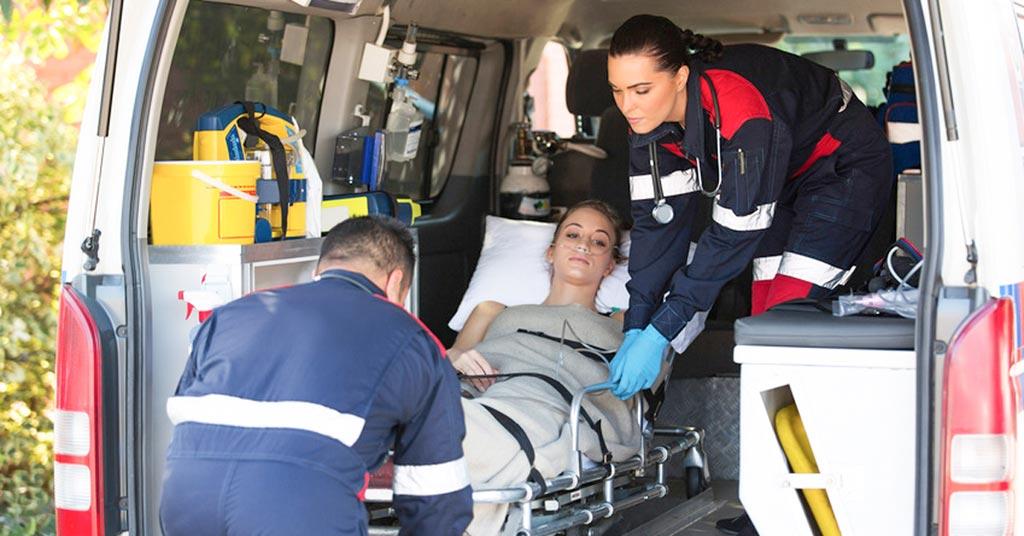 Imagen: Un nuevo estudio sugiere que las víctimas de heridas penetrantes deben llegar al hospital lo antes posible (Fotografía cortesía de Shutterstock).