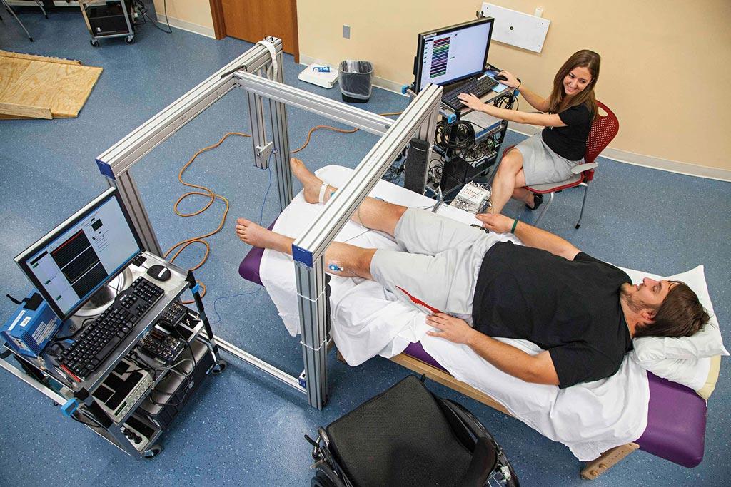 Imagen: Un nuevo estudio sugiere que la estimulación epidural podría aliviar la hipotensión de un parapléjico (Fotografía cortesía de la Universidad de Louisville).