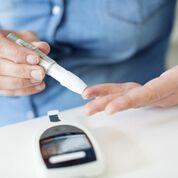 Imagen: Un estudio nuevo muestra que las bandas gástricas y la metformina ofrecen beneficios similares para la diabetes (Fotografía cortesía de Getty Images).
