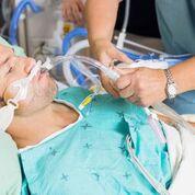 Imagen: Un estudio nuevo afirma que los procedimientos de descontaminación no son efectivos en los pacientes ventilados en la UCI (Fotografía cortesía de Bigstock).