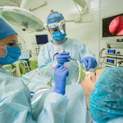 Imagen: Un estudio nuevo sugiere que la cirugía para corregir las anomalías anatómicas sinonasales puede aliviar los dolores de cabeza (Fotografía cortesía de Shutterstock).