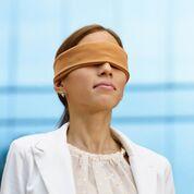 Imagen: Un estudio nuevo afirma que la capacitación en reanimación con los ojos vendados mejora las habilidades del líder del equipo (Fotografía cortesía de Alamy).