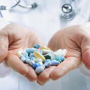 Imagen: Una investigación nueva sugiere que la supervisión en la administración de los antibióticos puede reducir las recetas innecesarias (Fotografía cortesía de Getty Images).