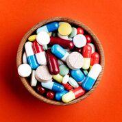 Imagen: Los médicos del departamento de emergencias deben prestar atención a las posibles interacciones con los medicamentos en el momento del alta (Fotografía cortesía de Getty Images).