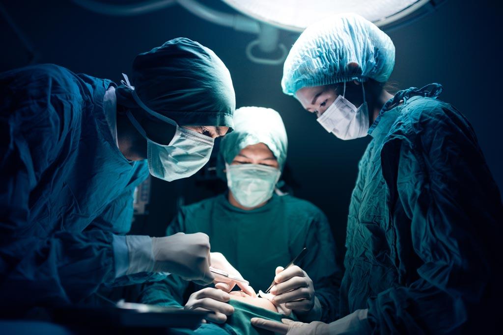 Imagen: Se ha vuelto a utilizar una técnica antigua de colgajo quirúrgico (Fotografía cortesía de 123rf.com).