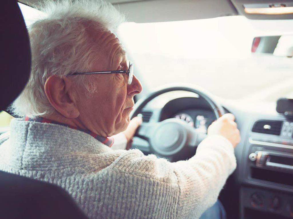 Imagen: Un estudio nuevo muestra que muchos pacientes que reciben un DCI desconocen las restricciones para manejar (Fotografía cortesía de Getty Images).