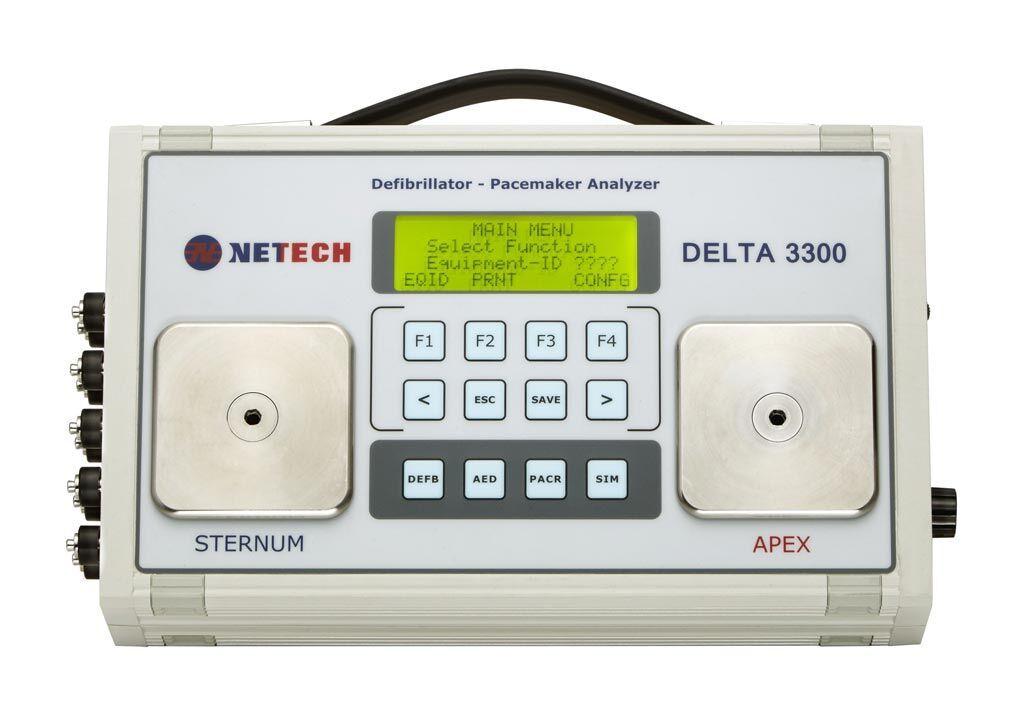 Imagen: El desfibrilador Delta 3300 y el analizador de marcapasos transcutáneo (Fotografía cortesía de Netech).