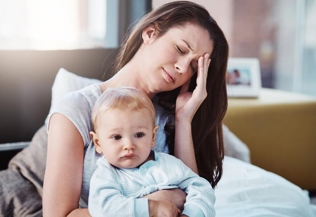 Imagen: Un estudio nuevo sugiere que los dolores de cabeza después de la anestesia epidural podrían indicar hemorragia cerebral (Fotografía cortesía de iStock).