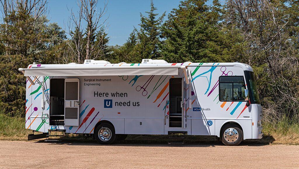 Imagen: Un vehículo de cero emisiones viaja entre hospitales para esterilizar equipos quirúrgicos (Fotografía cortesía de Winnebago)