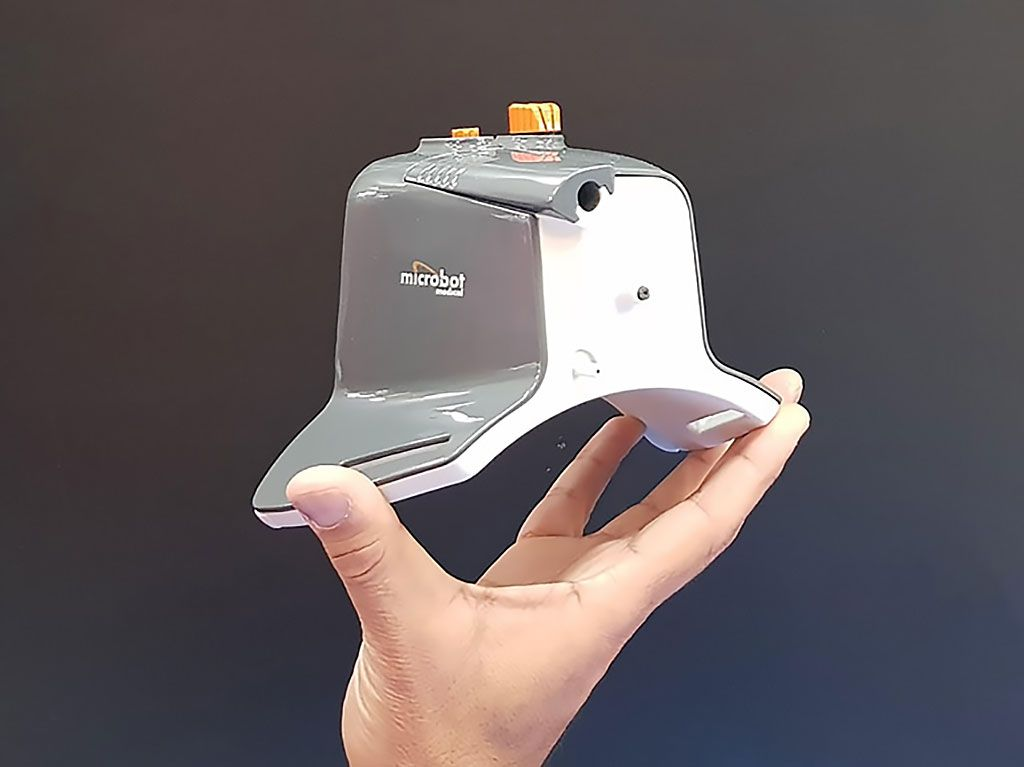 Imagen: El sistema robótico Liberty (Fotografía cortesía de Microbot Medical)
