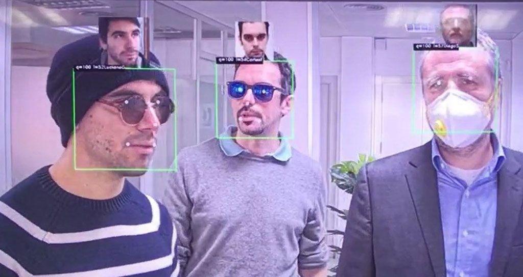 Imagen: Los algoritmos de IA para el reconocimiento facial pueden identificar a las personas con máscaras (Fotografía cortesía de Herta)