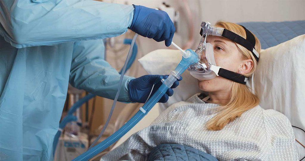 Imagen: El codo ReddyPort utilizado para realizar la higiene bucal (Fotografía cortesía de ReddyPort)
