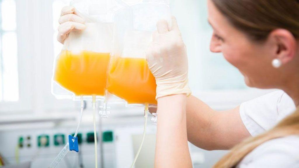 Imagen: El plasma de pacientes convalecientes de COVID-19 puede ayudar a otros pacientes enfermos (Fotografía cortesía de Getty Images)