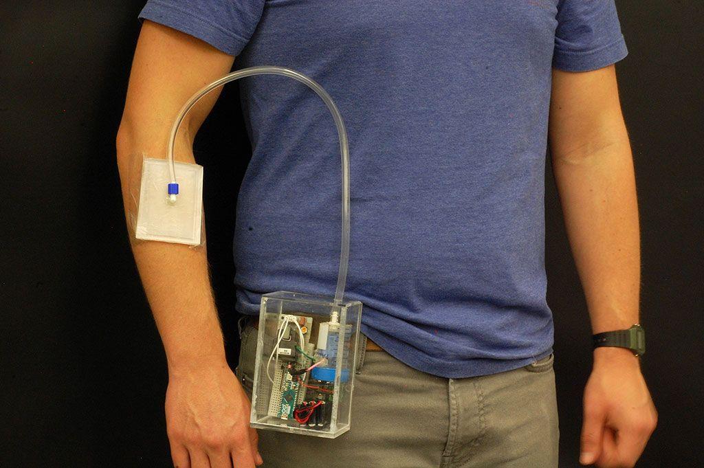 Imagen: Un generador pequeño de ozono ayuda a sanar las heridas (Fotografía cortesía de la Universidad de Purdue)