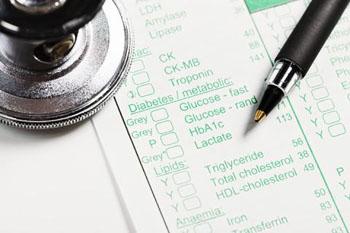 Imagen: Los expertos han propuesto la primera Lista Modelo de Diagnósticos Esenciales (LDE), una lista de pruebas de diagnóstico, que cada país debe esforzarse por tener a su disposición, con altos estándares de calidad. La lista podría ayudar a guiar el uso de los medicamentos en la Lista Modelo de la OMS de Medicamentos Esenciales (LME) (Fotografía cortesía del Sistema de Salud de la Universidad de Michigan).
