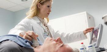 Imagen: Cerca del 15% de las personas en los EUA con hipotiroidismo se siguen sintiendo mal a pesar de seguir el cuidado estándar (Fotografía cortesía del Centro Médico de la Universidad de Rush).