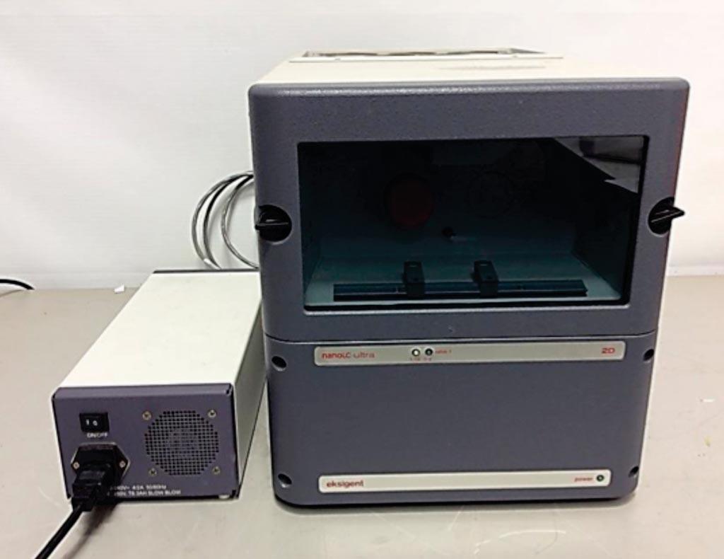 Imagen: El nanoLC-Ultra 1D + para la cromatografía líquida nanofluida (Fotografía cortesía de Eksigent).