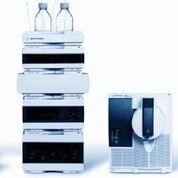 Imagen: Un instrumento para la cromatografía líquida de rendimiento ultraalto, Agilent 1290 (UHPLC) acoplado a un espectrómetro de masas de triple cuadrupolo Agilent G6490 (Fotografía cortesía de Agilent Technologies).