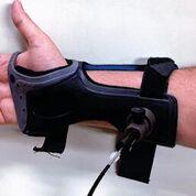 Imagen: este dispositivo utiliza tecnología láser para detectar los niveles de glucosa debajo de la piel, una alternativa a los dolorosos pinchazos (Fotografía cortesía de la Universidad de Missouri-Columbia).