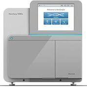 Imagen: El instrumento NextSeq 550x, un sistema de secuenciación de alto rendimiento de sobremesa (Fotografía cortesía de Illumina).