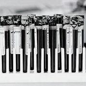 Imagen: Los tubos llenos de sangre utilizados para preservar y estabilizar el ADN libre de células también se utilizan en la prueba de detección PreSeek (Fotografía cortesía de Streck).