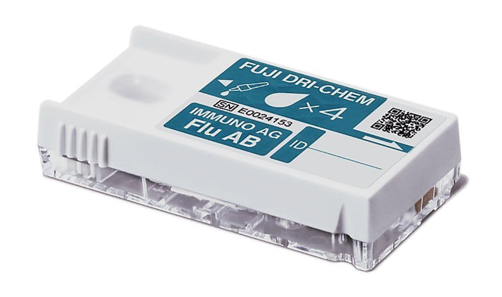 Imagen: El kit FluAB con cartuchos, Fuji dri-chem immuno AG FluAB (Fotografía cortesía de Fujifilm Corporation)
