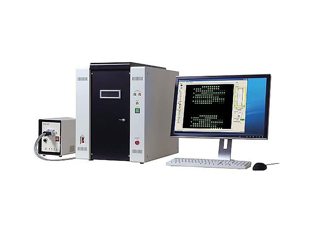Imagen: El GlycoStation Reader 1200 es un escáner de microarrays ópticos de alta velocidad y alta sensibilidad que utiliza el principio de excitación de fluorescencia de campo evanescente para escanear un portaobjetos completo de microarrays en solo dos minutos (Fotografía cortesía de GlycoTechnica Ltd).