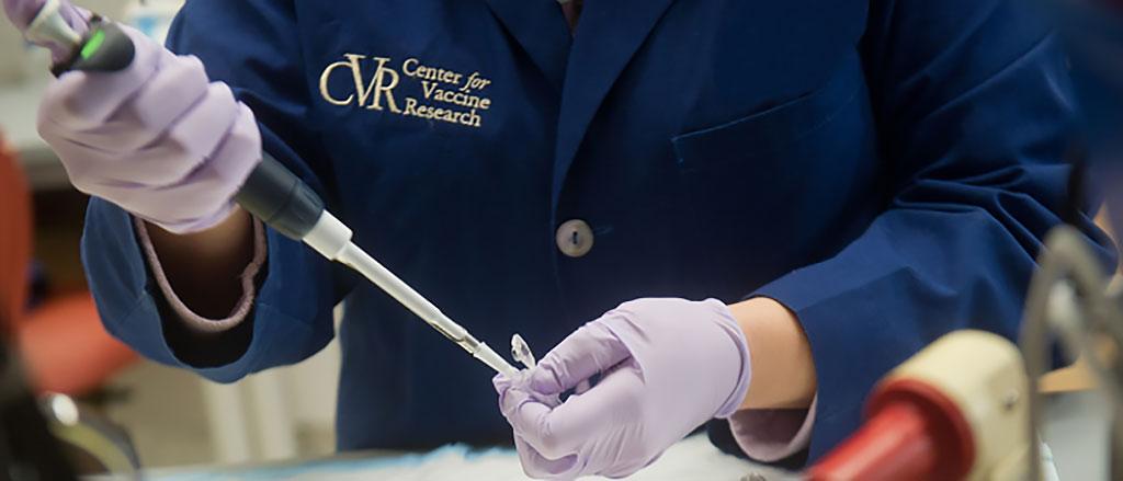 Imagen: Investigadores unen el coronavirus mediante una modificación genética a una vacuna contra el sarampión (Fotografía cortesía del Centro para Investigación de Vacunas)