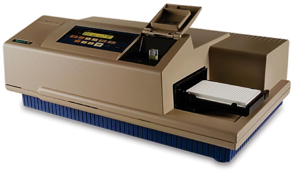 Imagen: El lector de microplacas, SpectraMax M5, es el estándar para el lector de absorbancia multimodal UV/visible, proporcionando detección ultrarrápida de rango espectral completo para las celdas, microplacas de 96 y 384 pozos (Fotografía cortesía de Molecular Devices).