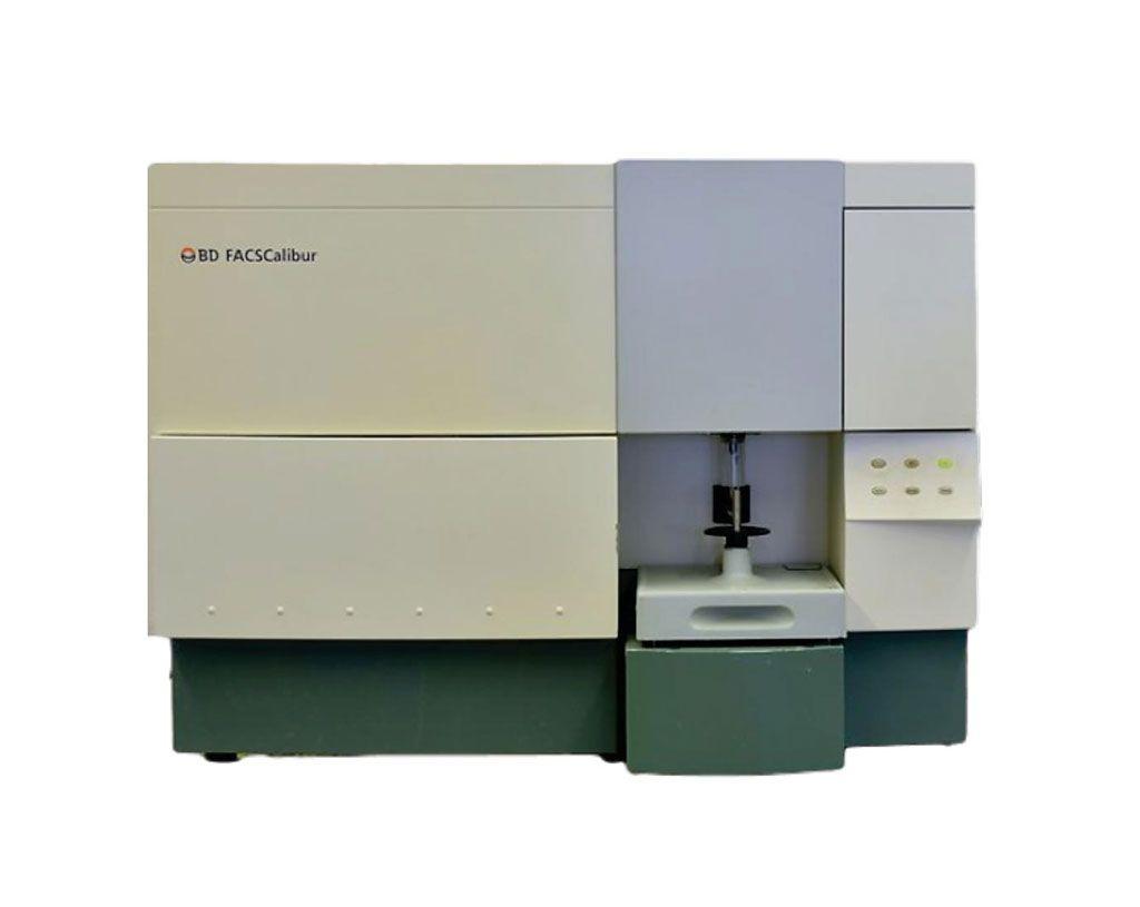 Imagen: La plataforma de clasificación celular activada por fluorescencia BD FACSCalibur permite a los usuarios realizar tanto análisis celulares como clasificación celular en un único sistema de sobremesa (Fotografía cortesía de BD Biosciences).