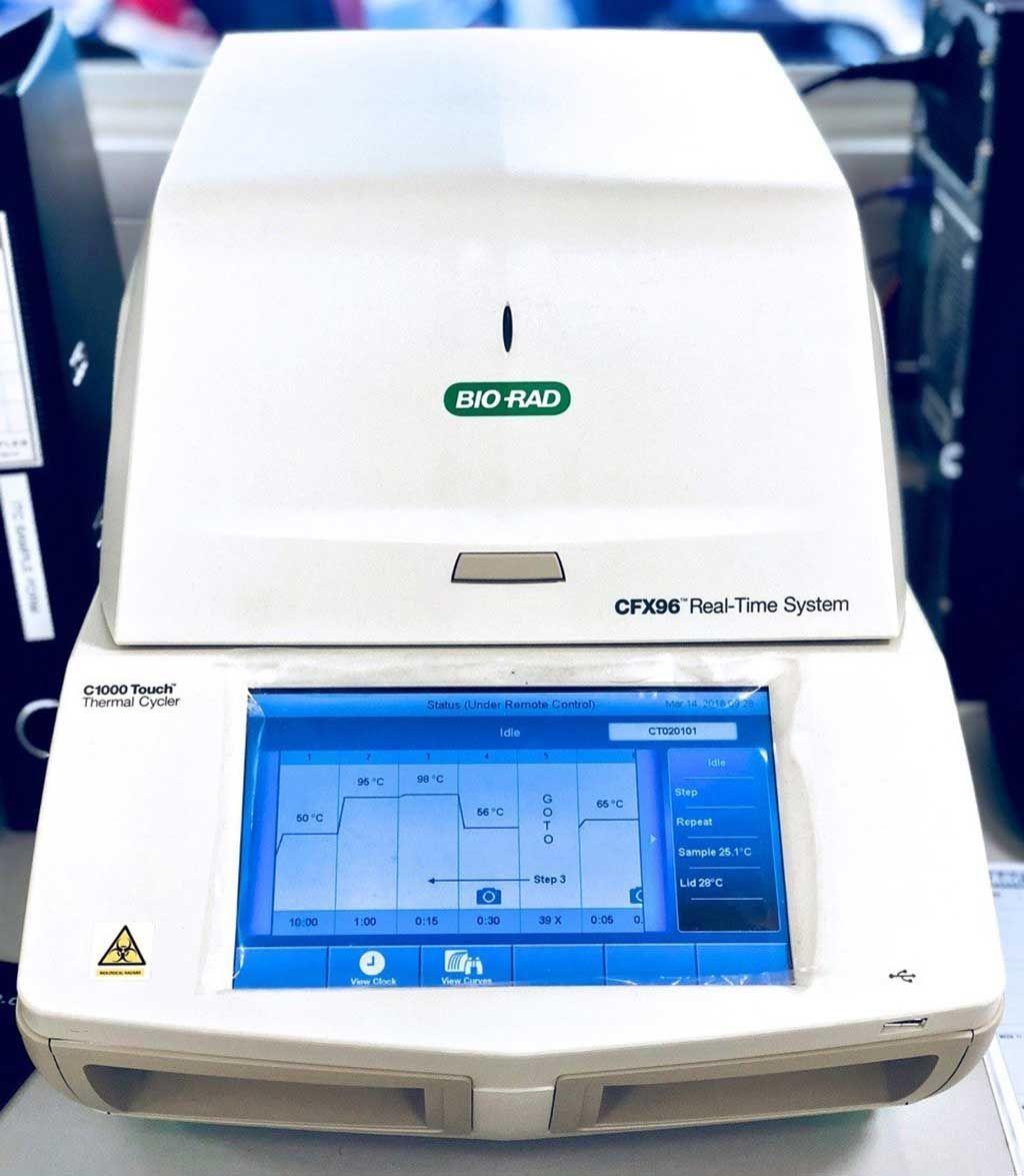 Imagen: La plataforma de PCR en tiempo real Bio-Rad CFX96 (Fotografía cortesía de la Universidad Tecnológica de Nanyang).