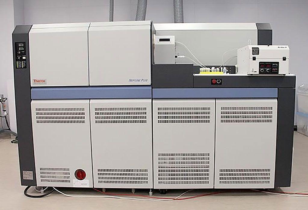 Imagen: El espectrómetro de masas de plasma acoplado inductivamente a un multicolector Neptune plus (Fotografía cortesía de Thermo Fisher Scientific).