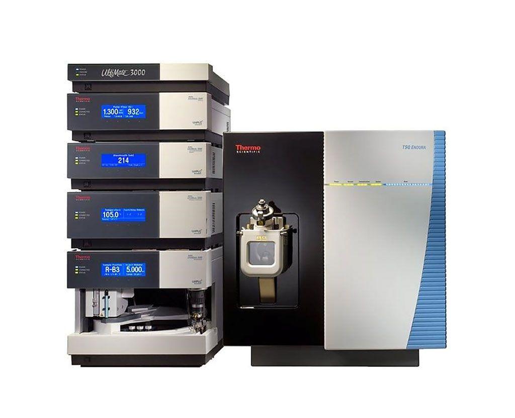 Imagen: El sistema de HPLC UltiMate 3000 RS y el espectrómetro de masas (Fotografía cortesía de Thermo Fisher Scientific).