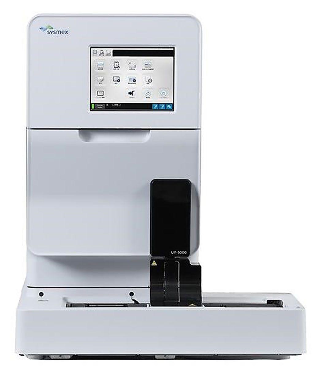 Imagen: El citómetro de flujo totalmente automatizado UF-5000 basado en la reconocida citometría de flujo de fluorescencia (FFC), representa lo último en tecnología para el análisis de orina (Fotografía cortesía de Sysmex Corporation).