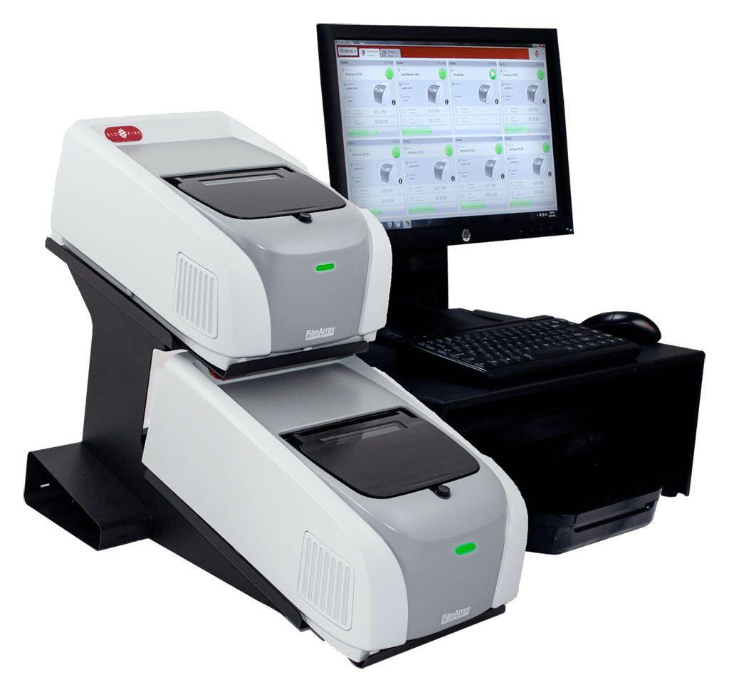 Imagen: El sistema BioFire FilmArray 2.0 estableció el estándar para las pruebas de enfermedades infecciosas moleculares internas. Permite simplificar los pedidos de pruebas, tener tiempos de respuesta más rápidos y optimizar el flujo de trabajo de laboratorio (Fotografía cortesía de BioFire Diagnostics).