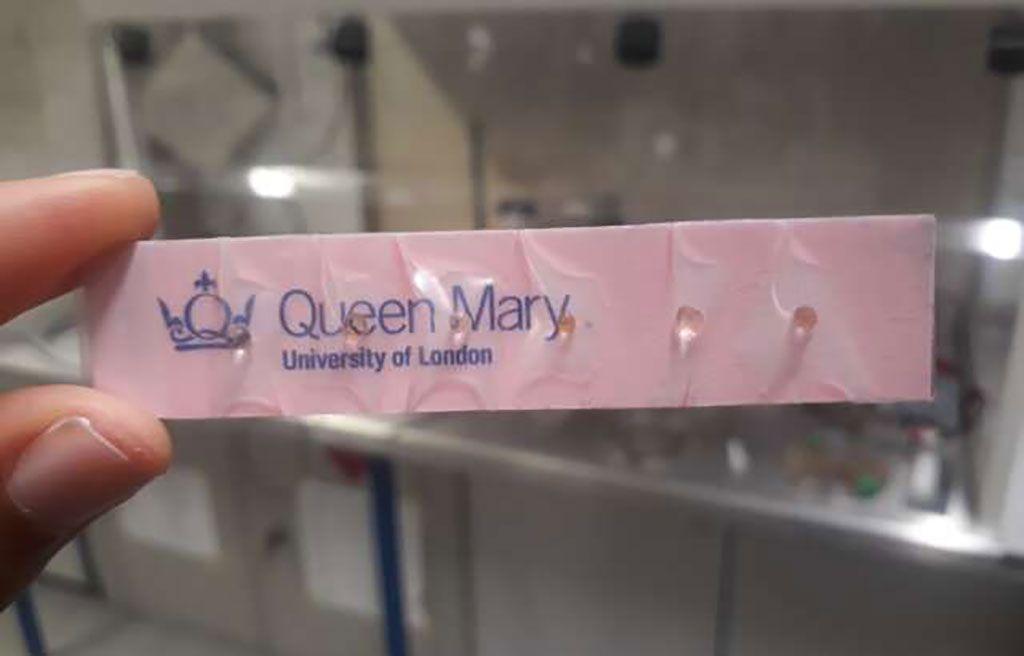 Imagen: Fotografía de la nueva prueba de olor basada en cápsulas (Fotografía cortesía de la Universidad Reina María de Londres)