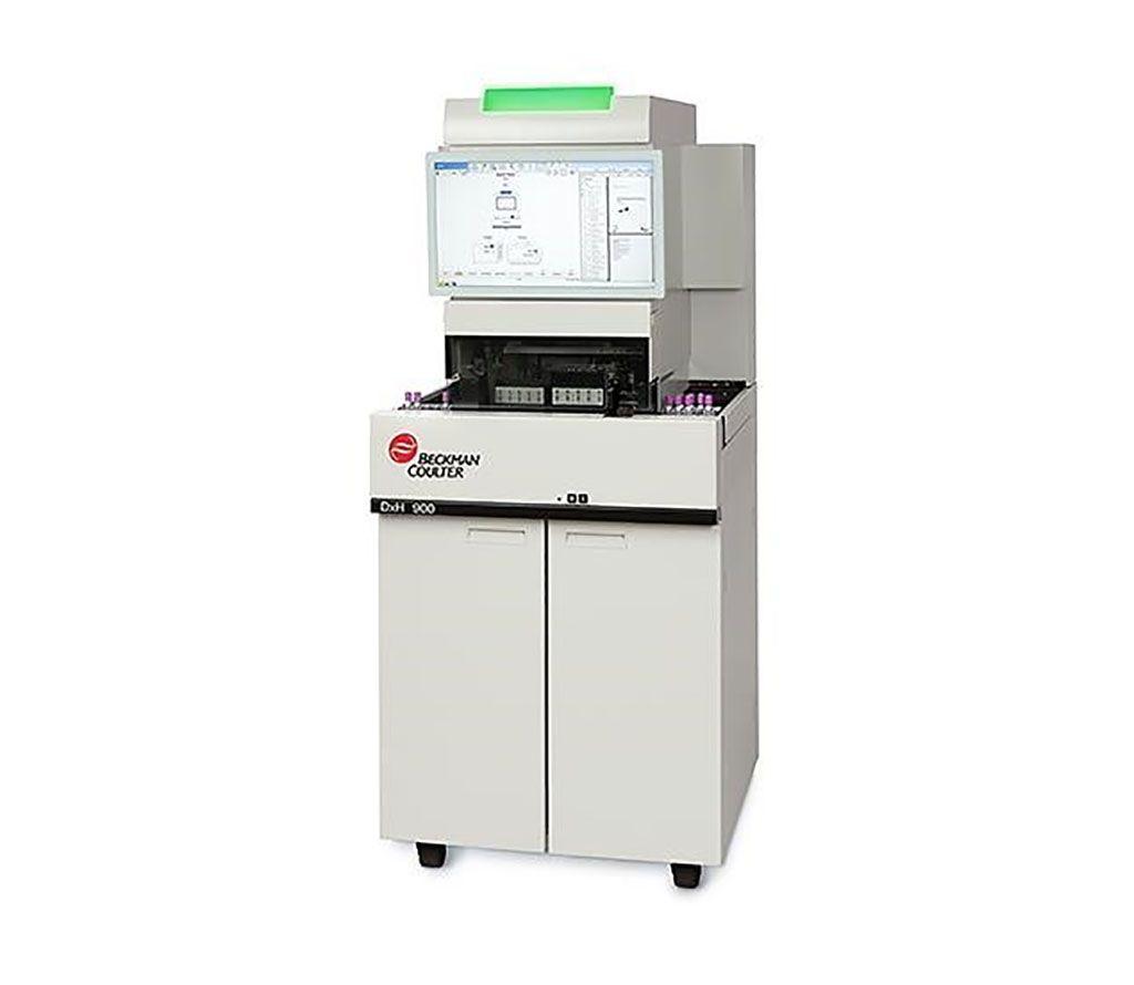Imagen: El analizador de hematología DxH 900 permite que el laboratorio de alto volumen logre diferenciales de RBC, PLT y WBC a través de una caracterización celular casi del estado nativo (Fotografía cortesía de Beckman Coulter)