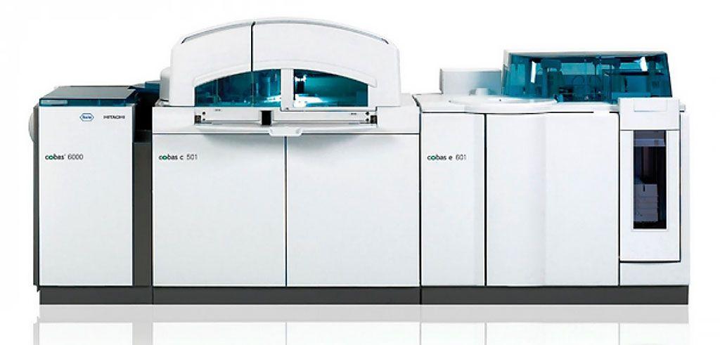 Imagen: El analizador de química ROCHE Cobas 6000 (Fotografía cortesía de Roche Diagnostics)