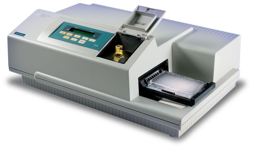 Imagen: El lector de microplacas SpectraMax Plus 384 puede ejecutar aplicaciones de lector de microplacas y espectrofotómetro estándar en el mismo instrumento (Fotografía cortesía de Molecular Devices)