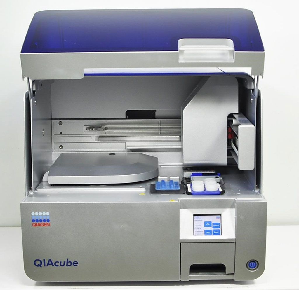 Imagen: El QIAcube es un sistema automatizado que puede extraer ADN o ARN de hasta 12 muestras simultáneamente (Fotografía cortesía de Qiagen)