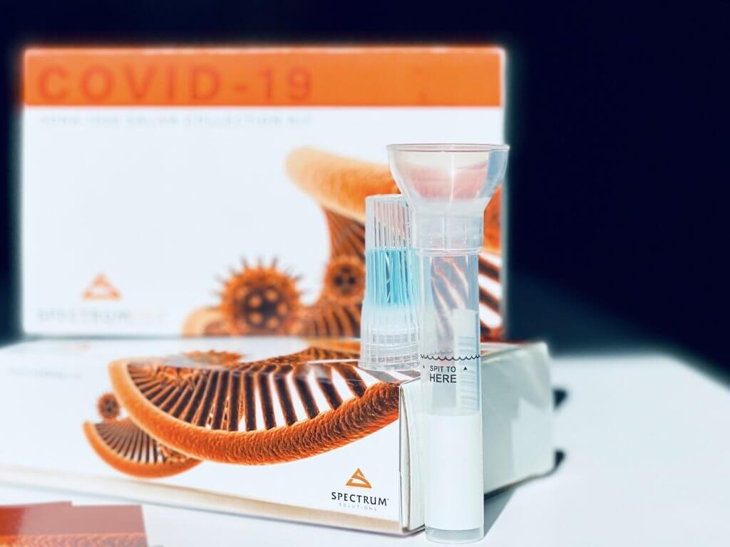 Imagen: Dispositivo de recolección de saliva SDNA-1000 (Fotografía cortesía de Spectrum Solutions)