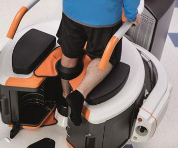Imagen: El sistema de imagenología de las extremidades, Onsight 3D, captando una imagen de una rodilla (Fotografía cortesía de Carestream Health).