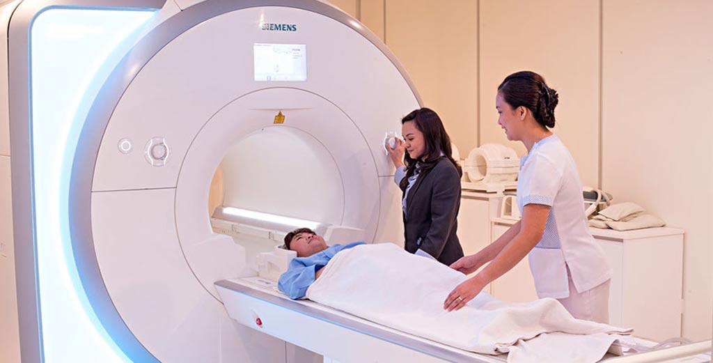 Imagen: Un escáner de nueva generación de resonancia magnética general y adaptado para cardiología de 1.5-T (Fotografía cortesía de Siemens Healthineers).