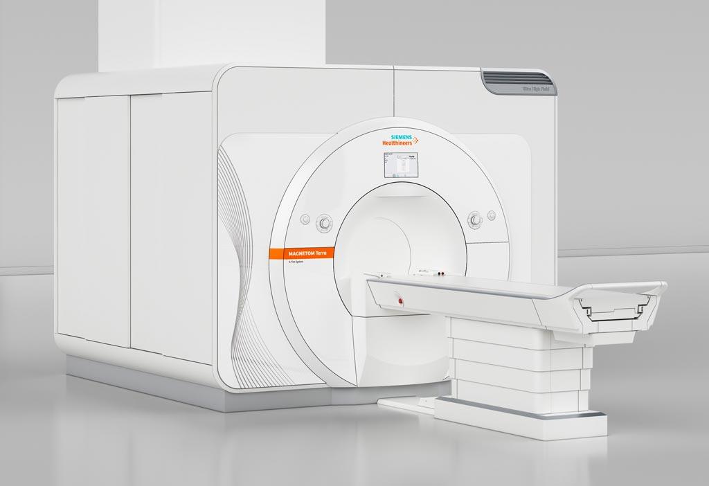 Imagen: El nuevo escáner de RM Magnetom Terra de 7T es el primer equipo de resonancia magnética de campo ultra alto que ha sido aprobado para uso clínico (Fotografía cortesía de Siemens Healthineers).